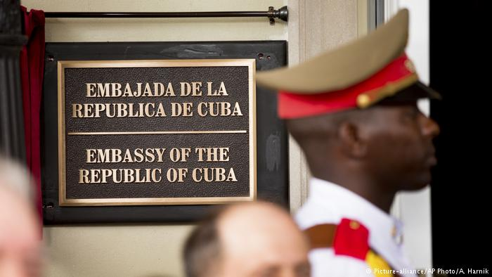 "Misterioso ""ataque acústico"" motiva la expulsión de dos diplomáticos cubanos en Washington como supuesta represalia"