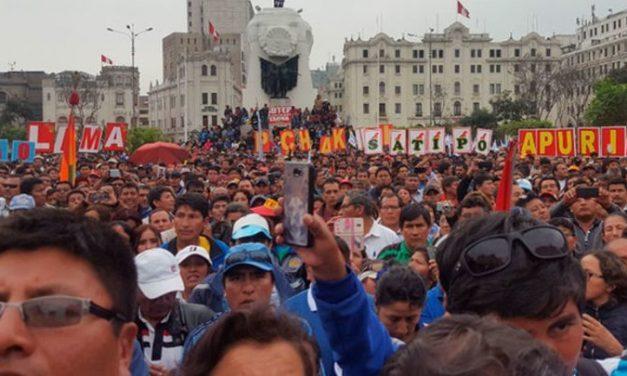 Desde el Perú: El despelote, no han aprendido a dialogar — por Roberto Mejía Alarcon