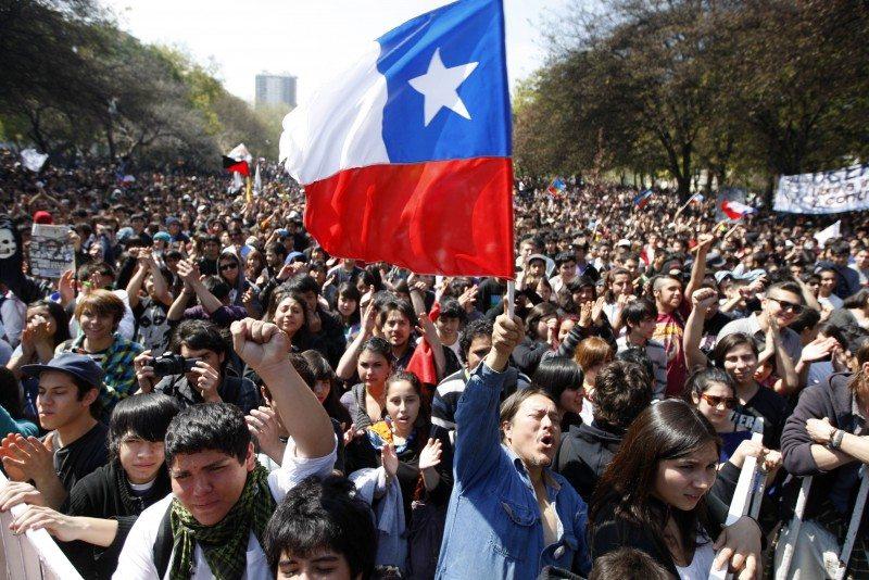 ELECCIÓN PRESIDENCIAL: LOS CHILENOS PIDEN PRINCIPALMENTE EDUCACIÓN PÚBLICA, PENSIONES-VEJEZ Y NUEVA SALUD