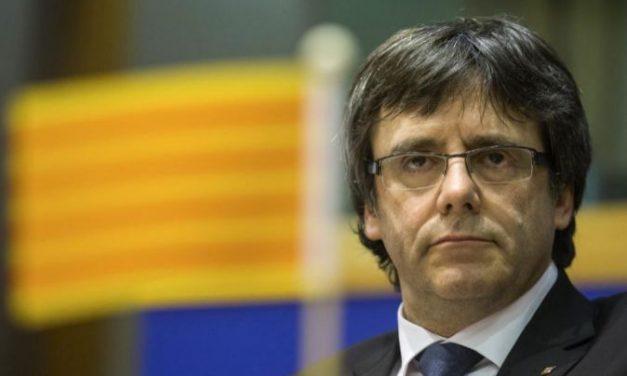 """Puigdemont denuncia """"encarcelamiento masivo y criminalización"""" de políticos independentistas En ESpaña"""