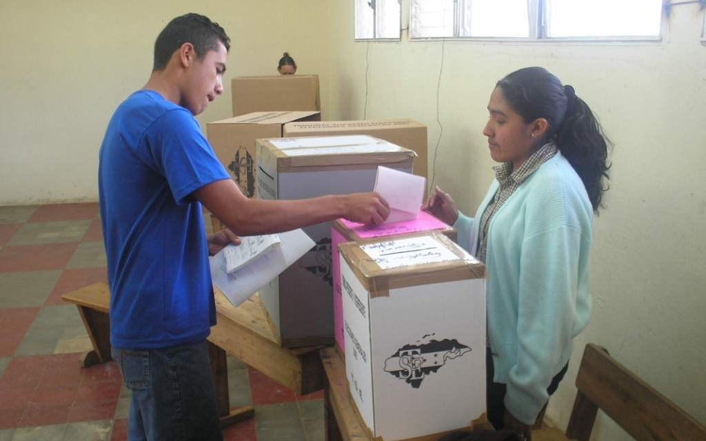 Honduras-ELECCIONES: AL ESTILO CENTROAMERICANO LOS DOS CANDIDATOS GANAN