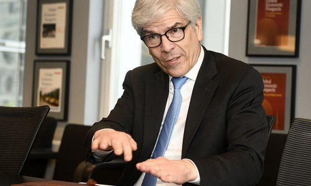 Chile: Un día «si» y otro «no» en los informes económicos mundiales. Ya parece «chacota»!