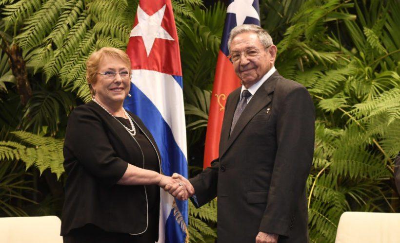 BACHELET CUMPLIÓ SU PROMESA DE VISITAR CUBA