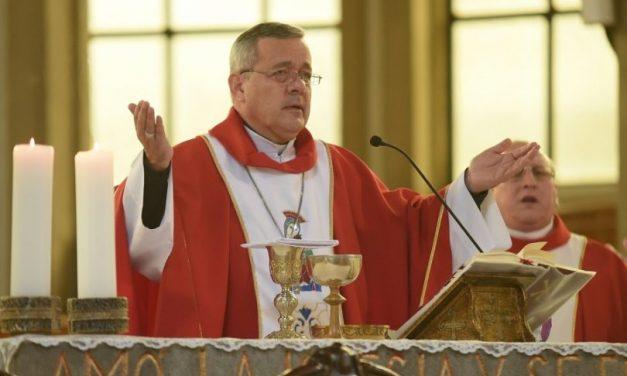 Comienza descabezamiento en la Iglesia católica chilena en un intento por reparar el grave daño causado