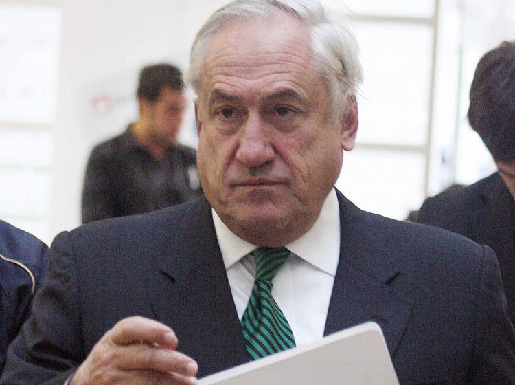 Comunistas y socialistas obligaron a Sebastián Piñera a dar un paso atrás