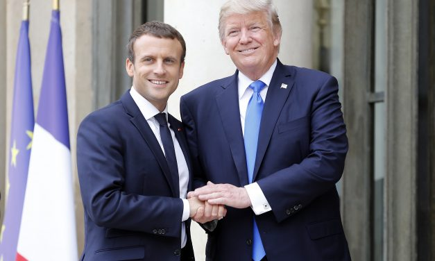 Trump mantiene sus amenazas a Irán pero no descarta estudiar la oferta de Macron