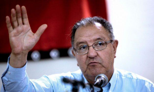 """Francisco Huenchumilla: """"La DC puede terminar por desaparecer o por ser irrelevante"""""""