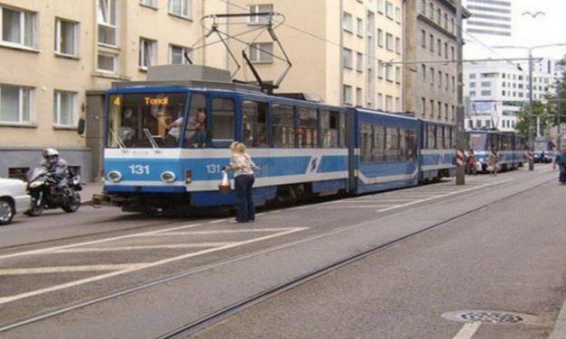 CHILE DEBE APRENDER DE ESTONIA QUE SE CONVIERTE en el primer país con transporte público gratuito
