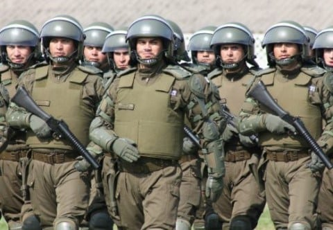 CRISIS EN CARABINEROS Y LA TERCERA POLICÍA