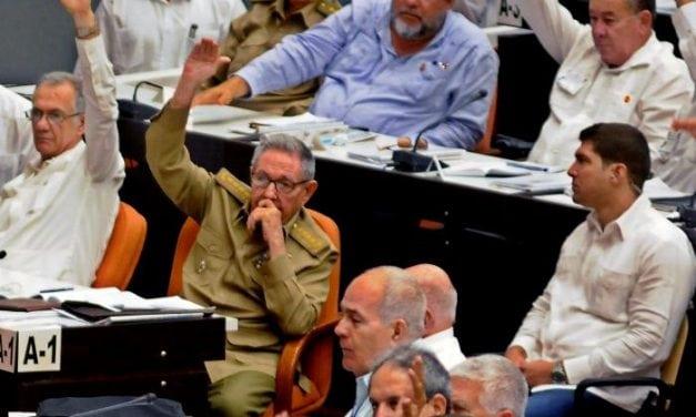 CUBA-CARTA MAGNA: Fin del comunismo como sistema, ingresa el capitalismo pero el PC seguirá siendo partido único