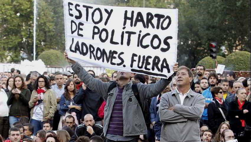Sin cargos ni proceso encarcelan a un centenar de nicaraguenses en la cárcel La Modelo