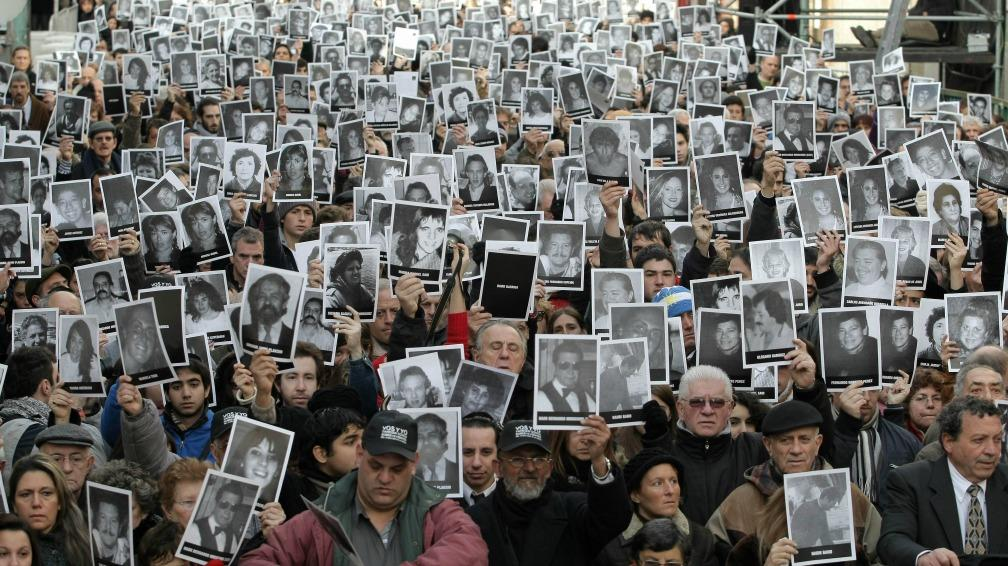 LA GUERRA EN COLOMBIA DURA 60 AÑOS y HA DEJADO 260.000 MUERTOS, la mayoría civiles – Tras la paz con las Farc, el ELN sigue activo