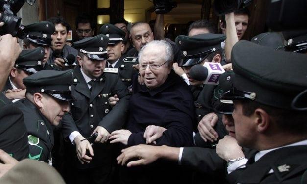 Expulsión de Karadima: El Papa intenta sacar del barro y la mugre a una iglesia chilena que quiso ser Santa