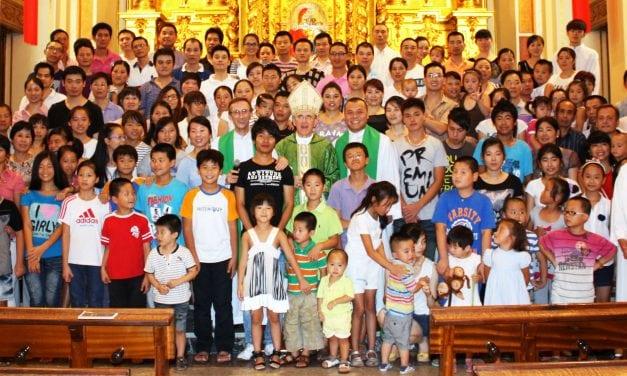 Comunidad Católica: ESTAMOS EN EL MUNDO, PERO NO SOMOS DEL MUNDO
