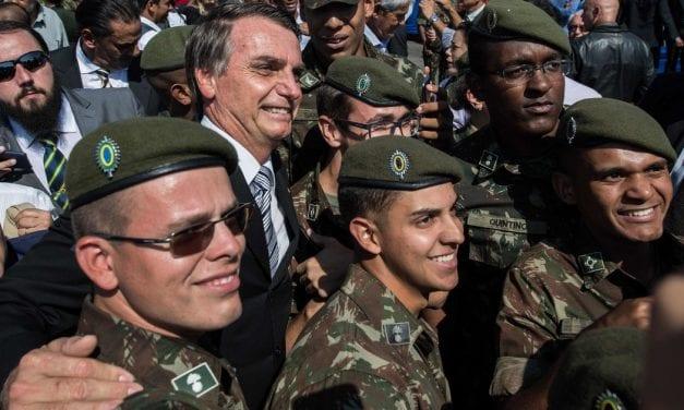 Bolsonaro envalentona al ejército chileno – Nuevo homenaje al asesino  Miguel Krassoff  sacude las estructuras del Ejército de Chile