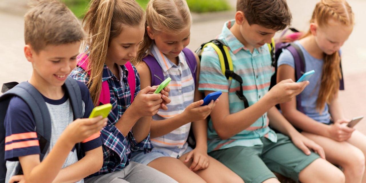 La locura del celular, la tecnología y las miles de aplicaciones nos generan un peligroso aislamiento social