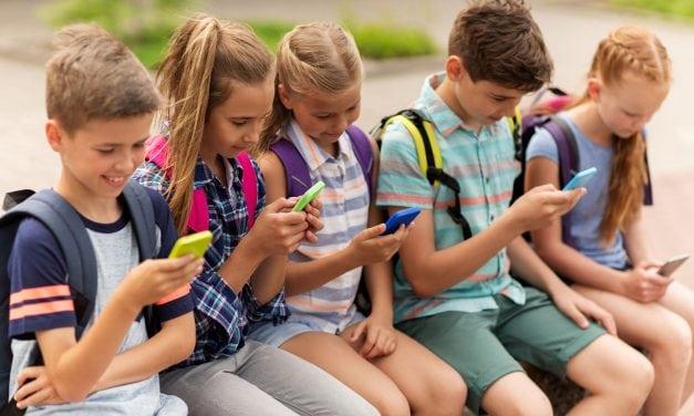 La «maldición» del celular y la era Whatsapp