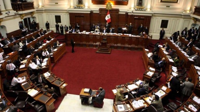 Problemas en el Congreso peruano – Renuncias y más renuncias dan pie a nueva recomposición de bancadas