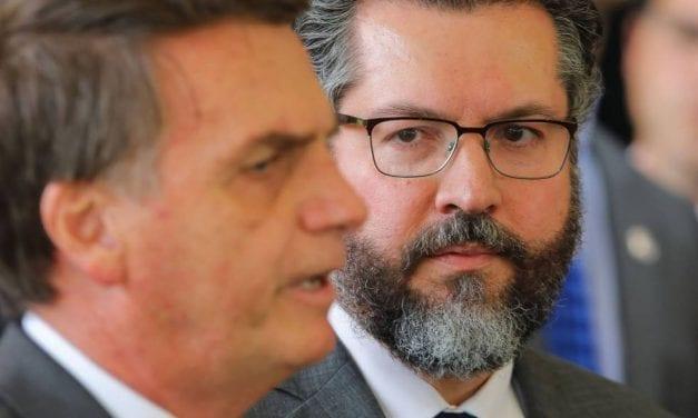 """Brasil: Llegaron """"los cruzados"""" para cambiar toda la política exterior latinoamericana y mundial"""