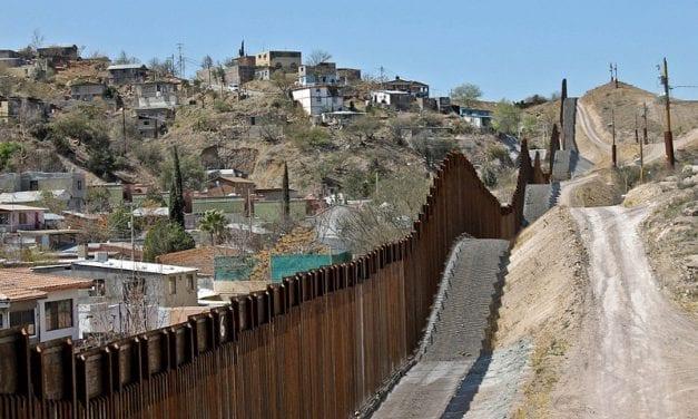 Construcción del muro en la frontera con México es para Trump una «emergencia nacional»