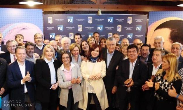 El primer discurso de Cristina Fernández ante 40 dirigentes justicialistas en Buenos Aires