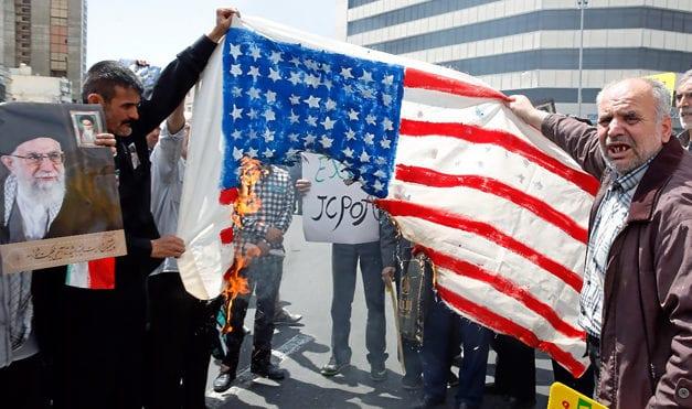 TRUMP: EL COLMO DE LA IRRESPONSABILIDAD POLITICA – Ordenó ATACAR A IRAN