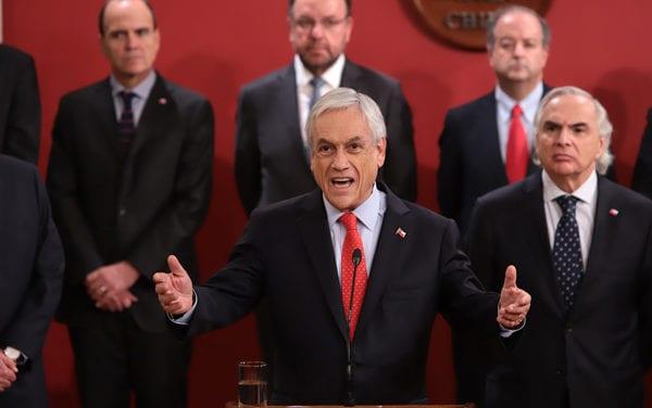 Chile: Una derecha «desprolija» en el Gobierno y una izquierda que casi ya no existe en la oposición ¿qué viene ahora?