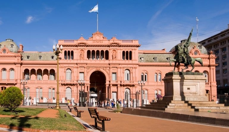 Está recién comenzando la larga carrera hacia la Casa Rosada en Argentina