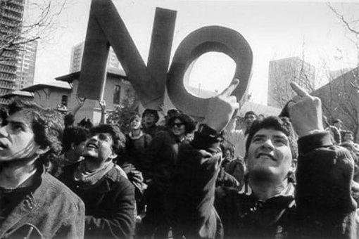 «Ni ahí» están los jóvenes con la actual forma de democracia que hay en Chile