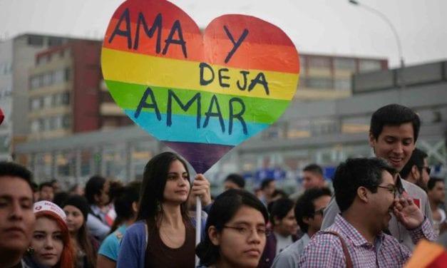 """Gays y bisexuales dejan de ser """"promiscuos"""" en Bolivia"""