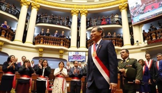 El arriesgado paso del Presidente peruano de adelantar las elecciones para disolver una crisis política