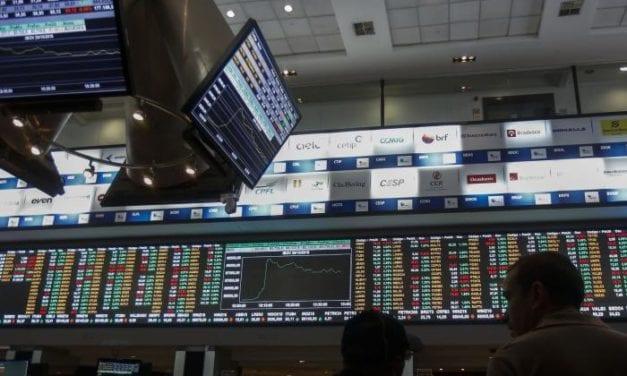 Baja la Bolsa de Sao Paulo preocupada por nuevo posible ajuste de intereses en EE UU