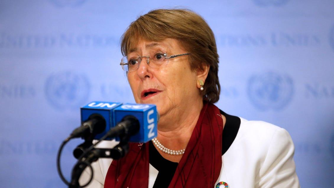 Bachelet, igual de responsable que todos los ex presidentes chilenos, le da ahora consejos a Piñera