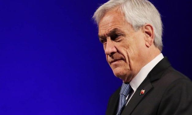 La derrota de Piñera -Toque de queda en Santiago