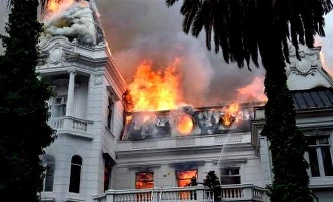 A pesar de los millonarios destrozos, los chilenos están de acuerdo en continuar con las marchas