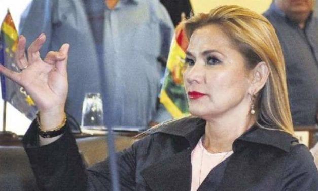 Sólo por elecciones libres abandonaré el Palacio Quemado dice nueva Presidenta de Bolivia