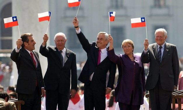 Los Bomberos son los mejor evaluados en Chile y trabajan gratis – Los políticos son mal evaluados y ganan mucho