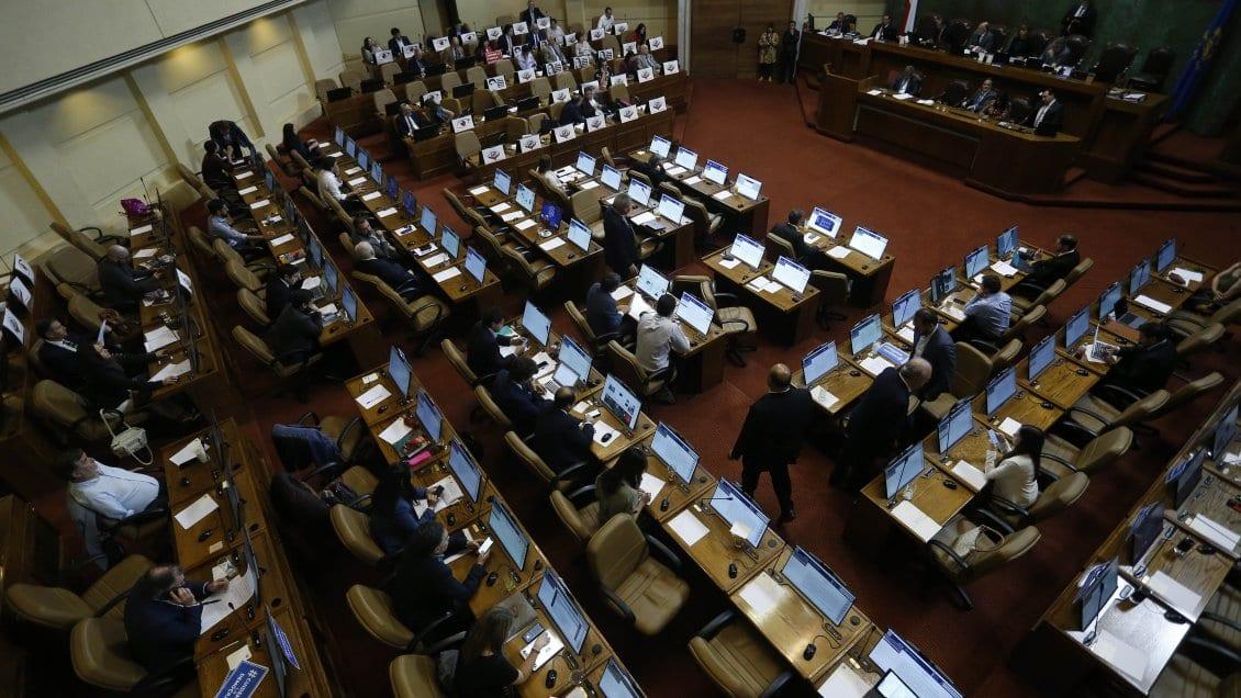 El problema de Chile son los políticos que no asumen su responsabilidad frente a la crisis