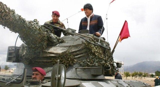 Morales llama a organizar «las milicias armadas del pueblo» en Bolivia igual como las tiene Venezuela