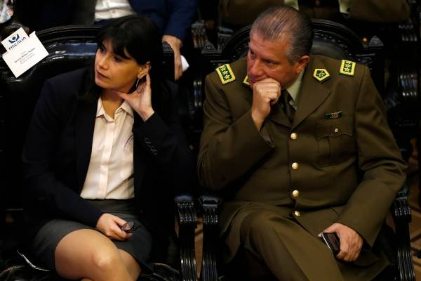 Partió querella por fraude en Carabineros – Ex ministra Blanco, amiga de Bachelet, aparece implicada hasta el cuello en este delito contra los chilenos