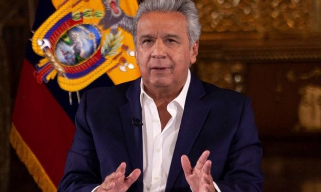 «Igual que en CHILE»: En Ecuador todos los funcionarios del Estado y parlamentarios se reducen sueldo a la mitad
