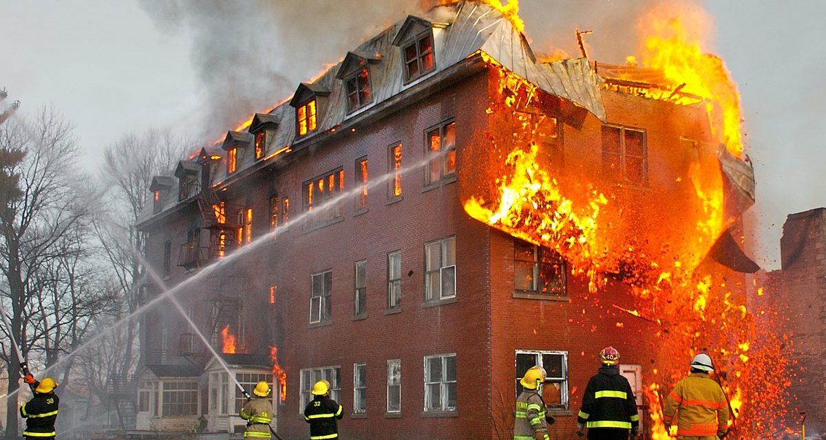 ¿Cómo se les ocurre rebajar el presupuesto de los bomberos en 3.755 millones de pesos? Algo anda mal en Chile