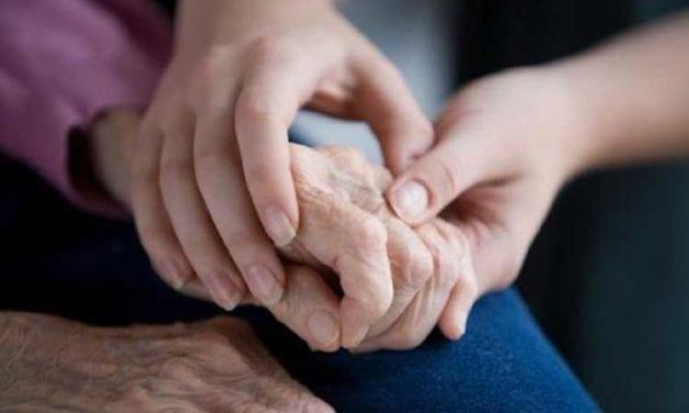 Los adultos mayores viven una compleja situación por el covid-19