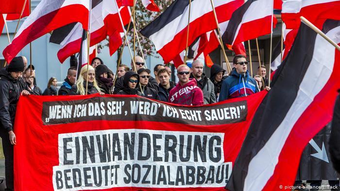 Prohíben a grupo de seguidores de Hitler en Alemania – Policía alemana observa aumento de grupúsculos de extrema derecha