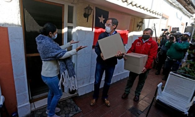 Las polémicas «cajitas con alimentos» hicieron subir el apoyo a Piñera