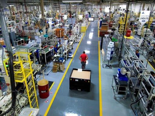 Largo confinamiento por la pandemia llevan al suelo la producción económica argentina