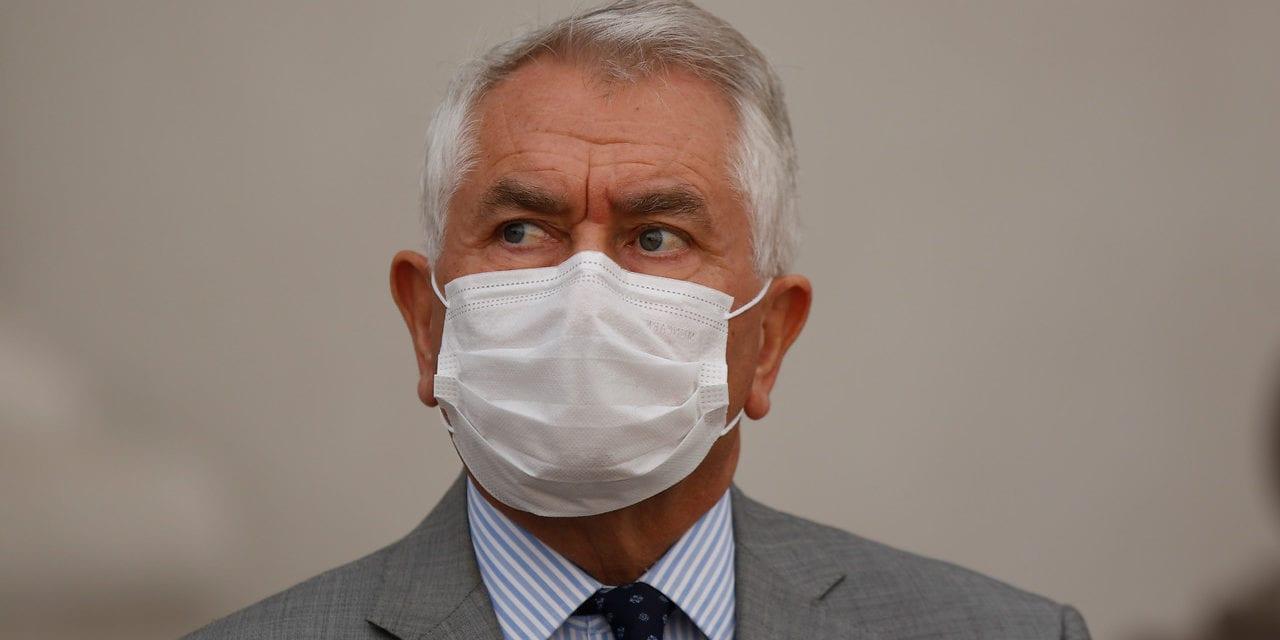 Parada en seco del Dr. Paris a los críticos de siempre que sacaron antes al ex ministro de Salud Jaime Mañalich del cargo