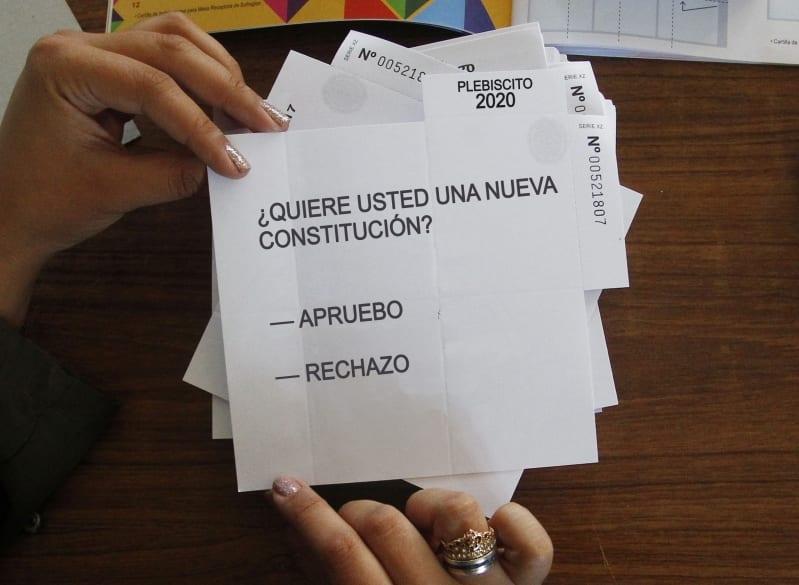 Chile: Tras el complejo tema de las AFP comienza otro: El Plebiscito
