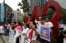 Autoridades mexicanas identifican restos de 43 estudiantes quemados vivos  en septiembre de 2014 en Ayotzinapa