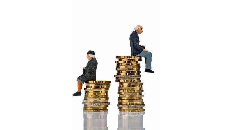 En Argentina aumentan las pensiones por decreto; en Chile los jubilados siguen esperando